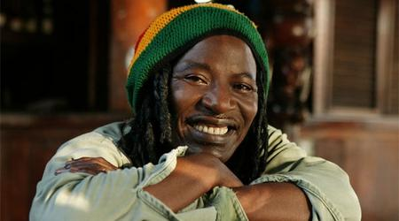Alpha Blondy.