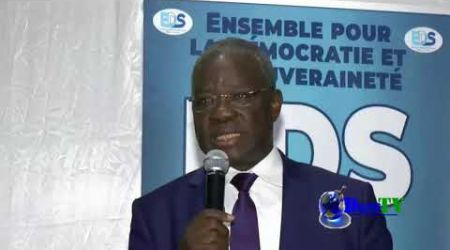Intervention Kahe Eric Pdt de l'AIRD à la rencontre de l'EDS et la diaspora ivoirienne à Montreuil.