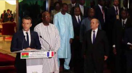 Arrivée du président français Emmanuel Macron au Burkina Faso