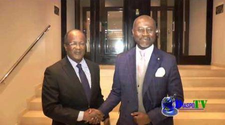 """Visite de félicitation de Georges Armand Ouégnin Pdt d""""EDS au groupe Ivoirebusiness à Paris."""
